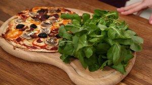 Karışık pizza tarifi: Ev yapımı pizza hamuru nasıl yapılır? Kolay pizza yapımı ve kalorisi