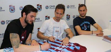 Trabzonsporlu futbolcular, imza gününe katıldı
