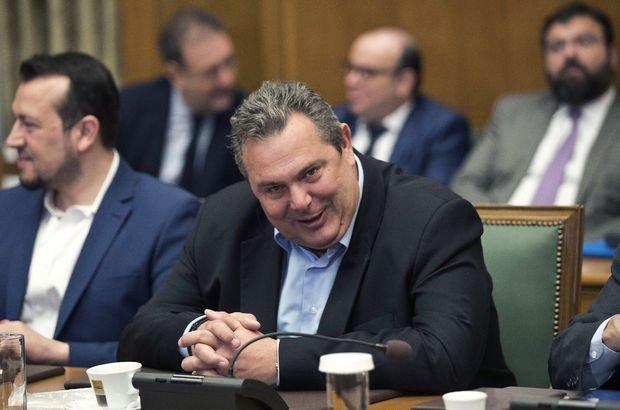 Yunan Savunma Bakanından 'bayrak' açıklaması