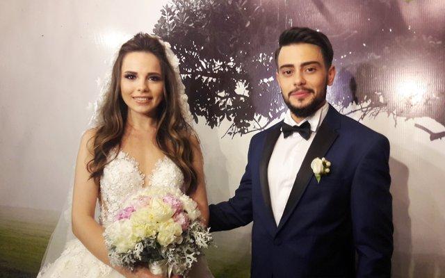 Rüzgar Erkoçlar ile eşi Tuğba Beyazoğlu'nun Boğaz keyfi - Magazin haberleri