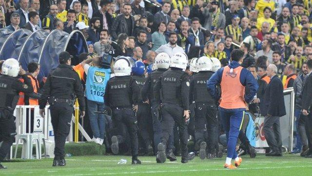 Fenerbahçe - Beşiktaş derbisinde neler oldu? Şenol Güneş'in sağlık durumu! (FB BJK derbi şoku)