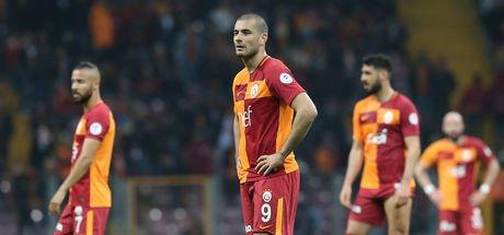 """Galatasaraylı futbolculara Akhisarspor maçı sonrasında büyük tepki: """"Yatacak yerleri yok!"""""""