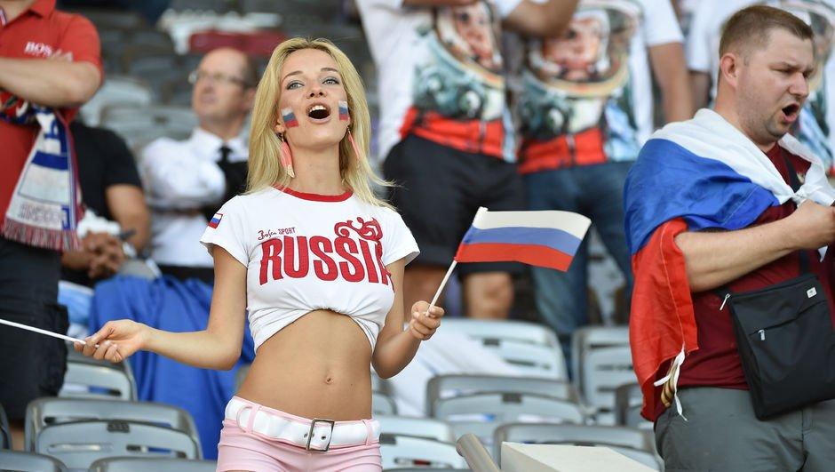 Futbolculara 'Rus güzeller' uyarısı