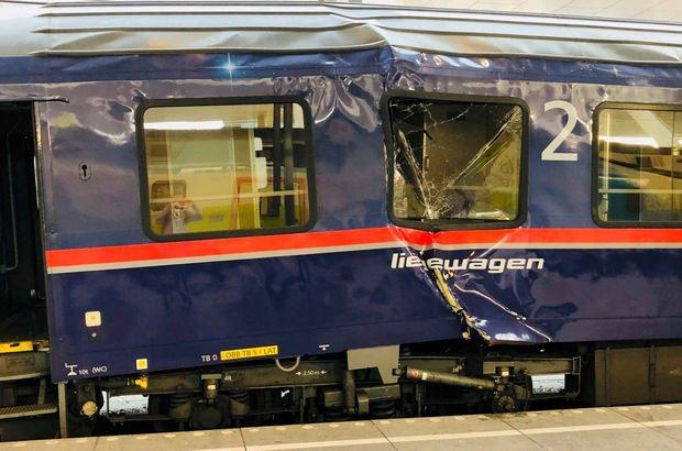 Avusturya'da 2 yolcu treni çarpıştı!