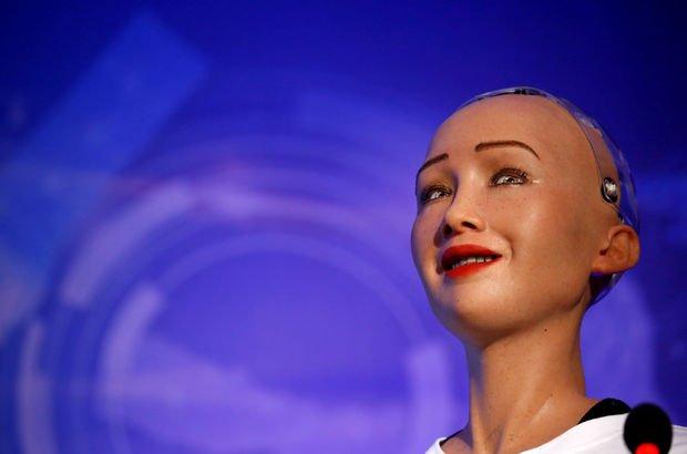 Robot Sophia çocuklara ne anlattı?