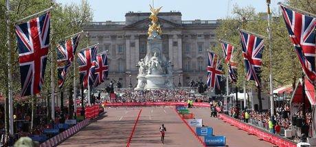 Londra Maratonu'nu Eliud Kipchoge ile Vivian Cheruiyot kazandı