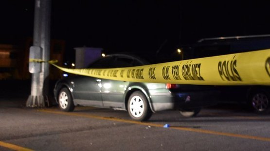 Park halindeki otomobilde silahlı kavga: 1 ölü, 2 ağır yaralı