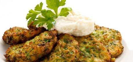Mücver tarifi: Kızartılmış ya da fırında kabak ve patatesli mücver nasıl yapılır?