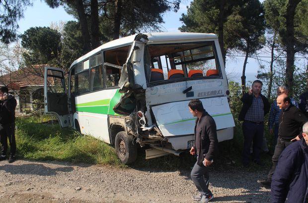 Yolcu indiren dolmuşa minibüs çarptı: Çok sayıda yaralı var