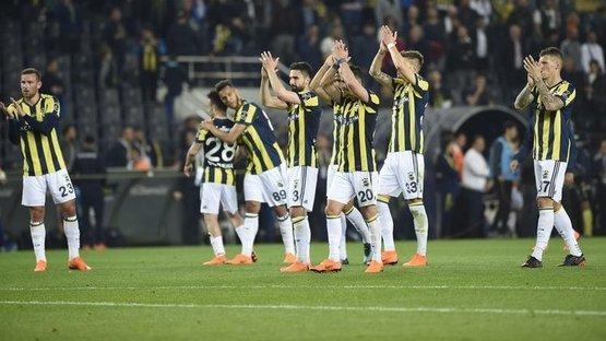 Fenerbahçe evinde dört köşe