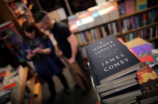 Eski FBI Direktörü James Comey'nin kitabından ilk haftada rekor satış
