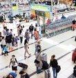 4 günlük tatil fırsatı sunan 1 Mayıs İşçi Bayramı uçak bileti fiyatlarını uçurdu. Özellikle Antalya ve Bodrum gibi yoğun ilgi gören noktalara yapılan uçuşlarda ortalama bilet fiyatları 352 liralık tavanı deldi. Bazı uçuşlarda talep edilen fiyatlar da 600 liranın üzerine çıktı