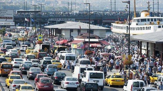 Çarpıcı tablo! İstanbul trafiği ömrümüzden 3.5 yıl çalıyor
