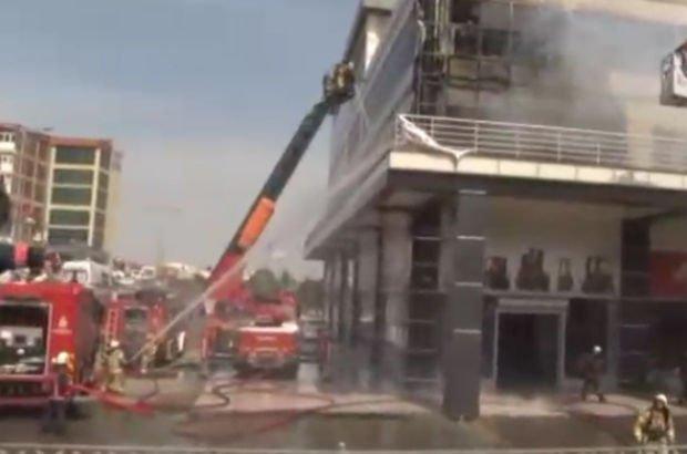 Son dakika: Başakşehir'de iş merkezinde yangın! Çok sayıda itfaiye ekibi sevk edildi