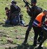 Filistinliler tarafından Gazze?de düzenlenen gösterilerde, İsrail askerlerinin açtığı ateş sonucu yaralanan bir gazetecinin hayatını kaybettiği açıklandı
