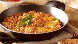 En lezzetli ve güzel menemen tarifi... Soğanlı ya da sucuklu menemen nasıl yapılır?