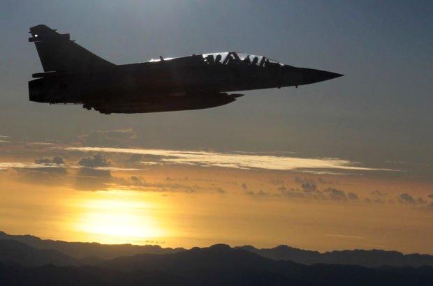 Çin savaş uçakları Tayvan üzerinde tatbikat yaptı, tatbikat yükseldi!