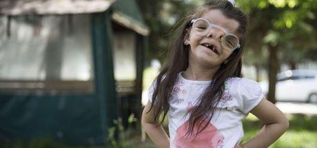 Minik Elif'in görme sorunu üç boyutlu yazıcı sayesinde aşıldı