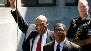 Ünlü komedyen Bill Cosby cinsel tacizden suçlu bulundu!