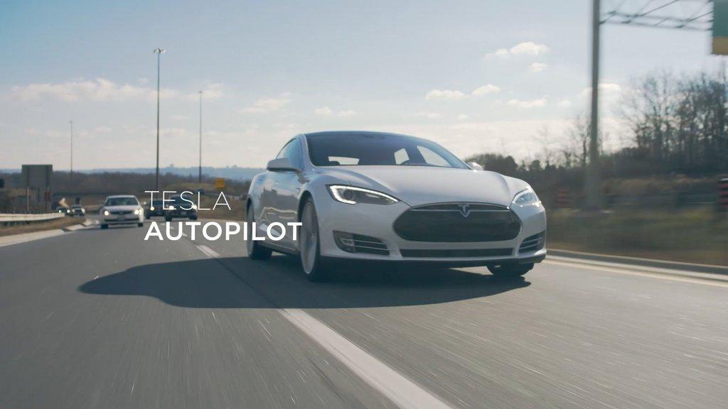Tesla'da dev ayrılık! Otomatik pilotun başındaki isim istifa etti