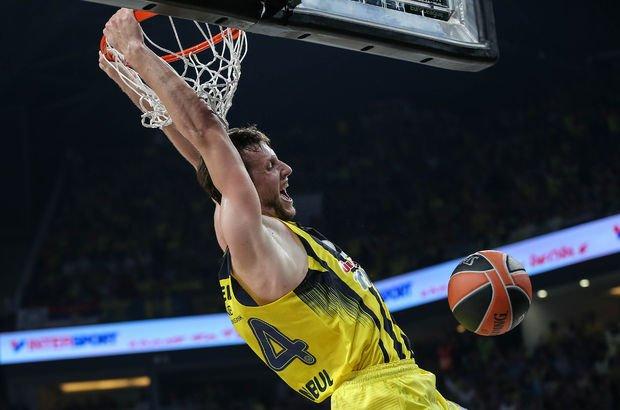 Fenerbahçe Doğuş Final Four'a kaldı, Belgrad'a uçak bileti fiyatları uçtu