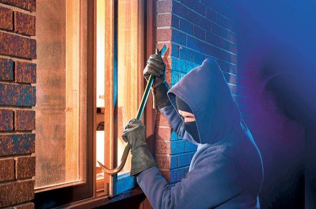 Yöneticiyi hırsıza karşı koruma kalkanı