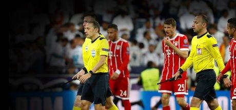 Tarihi maça Cüneyt Çakır damgası! Almanlardan Cüneyt Çakır'a büyük tepki! Maç sonu itiraf etti!