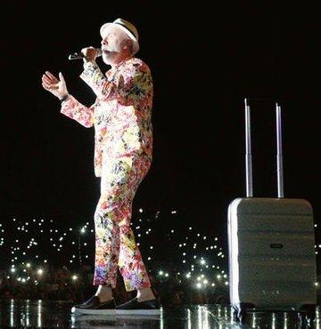 Dino Merlin: Şarkılarımda acı verecek derecede dürüstüm