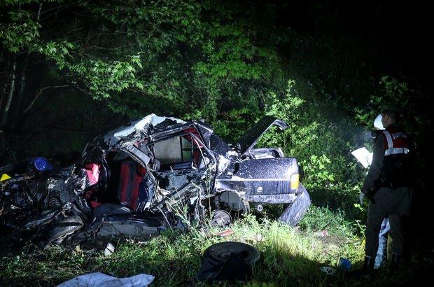 Bursa'da trafik kazası: 3 ölü, 3 yaralı