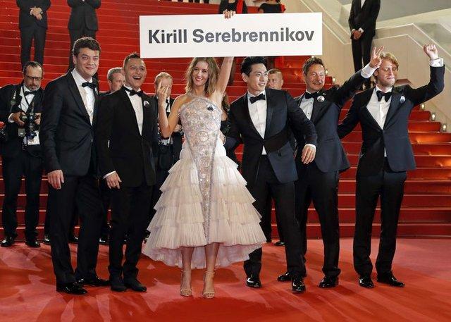 71'inci Cannes Film Festivali'nin kırmızı halısında Kirill Serebrennikov tepkisi