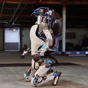 ROBOTLAR BUNU DA BAŞARDI! İNSANDAN FARKSIZ YAPIYOR...