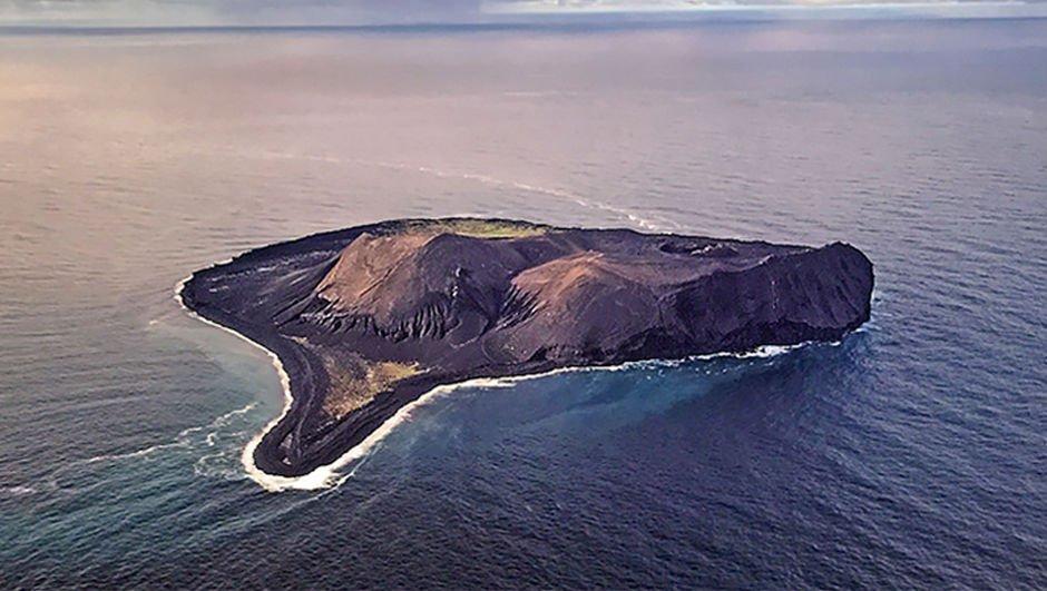 Okyanusun ortasında gizemli ada! Buraya girmek yasak!