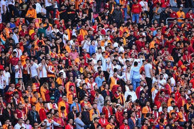 Rıdvan Dilmen: ''Bir şeyi merak ediyorum...'' Rıdvan Dilmen'den Galatasaray-Yeni Malatyaspor maç yorumu...