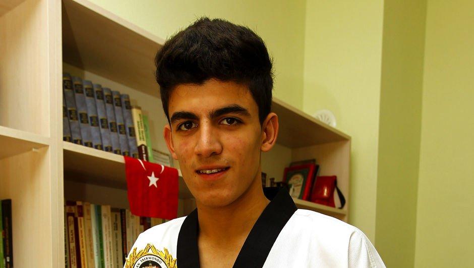 Muhammed Emin Yıldız'dan gümüş madalya!