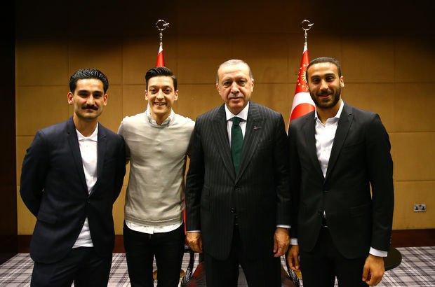 Recep Tayyip Erdoğan Cenk Tosun Mesut Özil İlkay Gündoğan