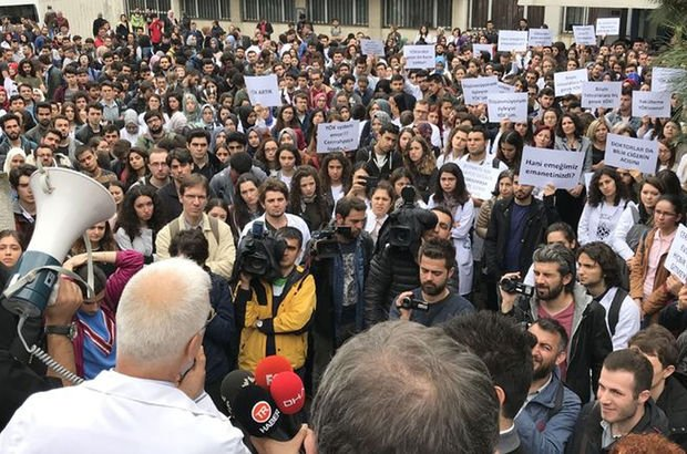 Cerrahpaşa Tıp Fakültesi'nde bölünme protestosu