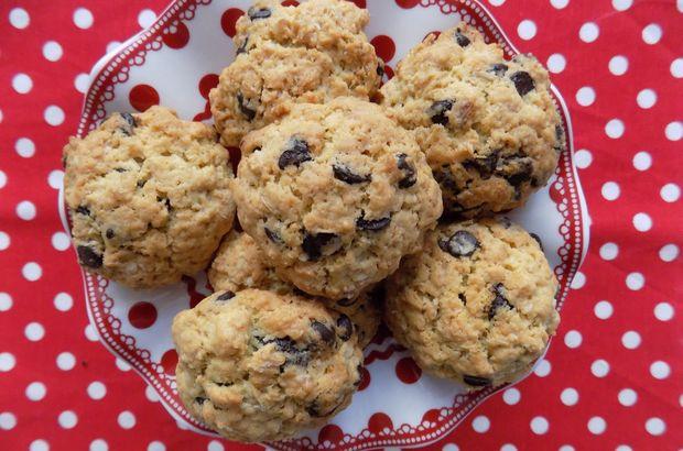 Damla çikolatalı atom kurabiye nasıl yapılır