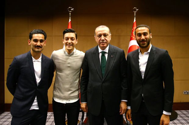 Cumhurbaşkanı Recep Tayyip Erdoğan İlkay Gündoğan Mesut Özil Cenk Tosun