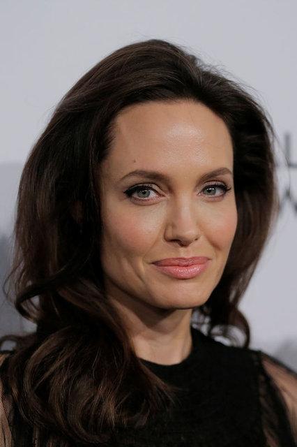 Angelina Jolie hakkında flaş iddia! İşte yeni aşkı - Magazin haberleri