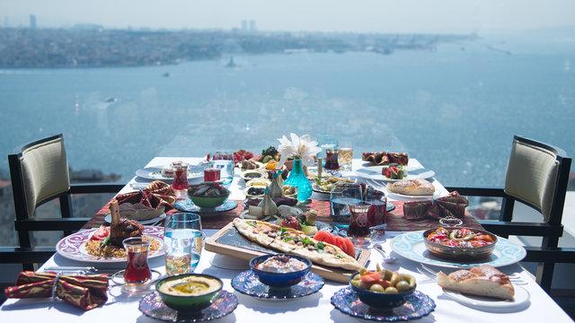 İstanbul'da iftar menüleri! İstanbul'da iftar yapabileceğiniz mekanlar!