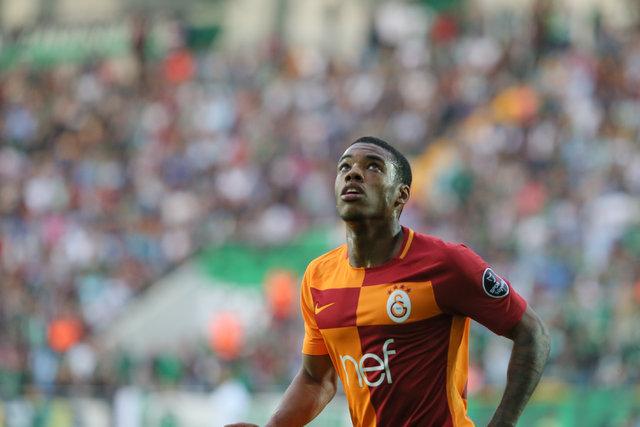 Garry Rodrigues'in amatör kümeden Galatasaray'ın yıldızlığına uzanan hikayesi... Birkaç yıl önce postacıydı!