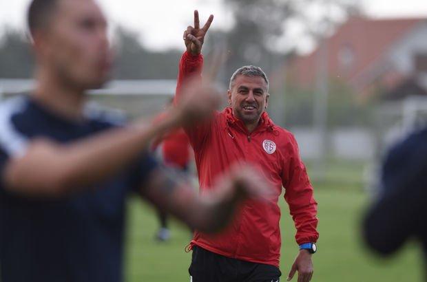 Hamza Hamzaoğlu'ndan futbolcularına teşekkür