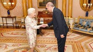 Cumhurbaşkanı Erdoğan, Kraliçe 2. Elizabeth ile görüştü!