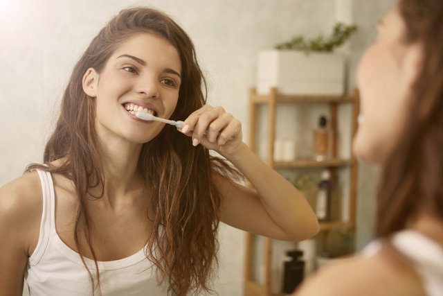 Diş fırçalamak orucu bozar mı? Diyanet'ten net açıklama