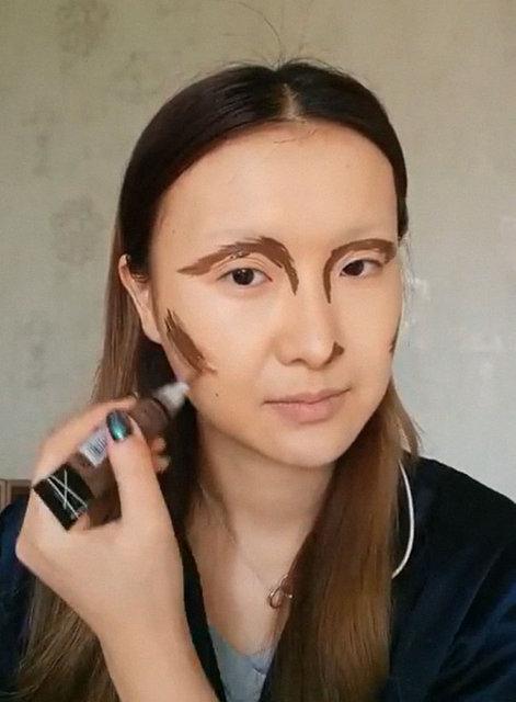 Makyajla kendini Mona Lisa'ya benzetti