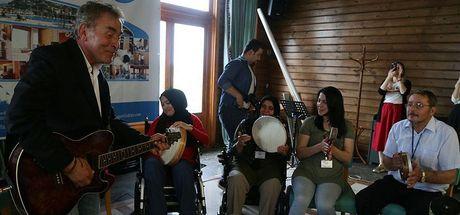 Müzik birçok hastalığın rehabilitasyonunda yarar sağlıyor