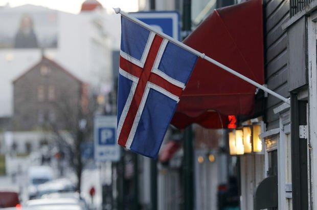izlanda bayrağı