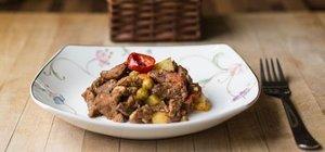 Tas kebabı nasıl yapılır? Yumuşacık etli tas kebabı tarifi ve malzemeleri!
