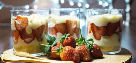 Çilekli magnolya tatlısı tarifi! Magnolya tatlısı nasıl yapılır?