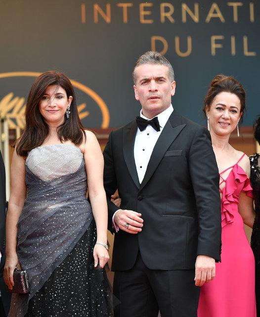 Cannes Film Festivali'nde Murat Cemcir'in poz hareketi sosyal medyada olay oldu! - Magazin haberleri